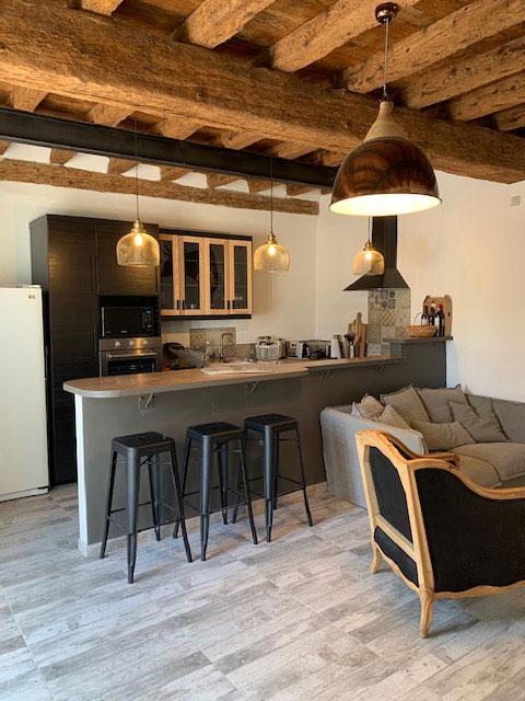 Aménagement d'espace d'un Mas en Camargue par Chez Nous à Arles