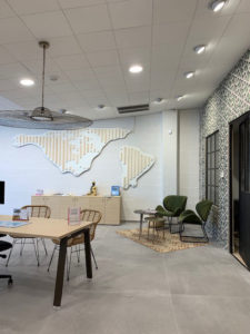 Interior design of a travel agency in Nîmes by CHEZ NOUS