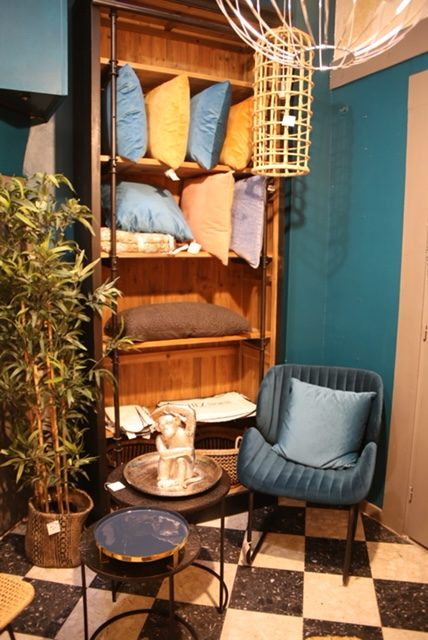 Vente en ligne fauteuil Lova aspect velours - Boutique Chez Nous